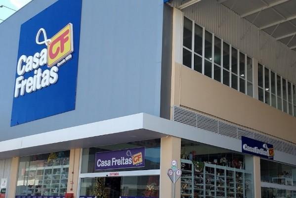 Casa Freitas Oferece 40 Vagas para 4 Funções em Fortaleza